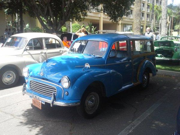 Blue Morris Minor Traveller